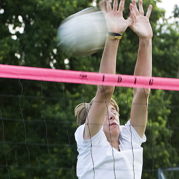 Volleyball_1_2400x1200.jpg